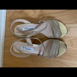 "Nina gold dress sandals sz 6.5, 2-3/4"" heel"